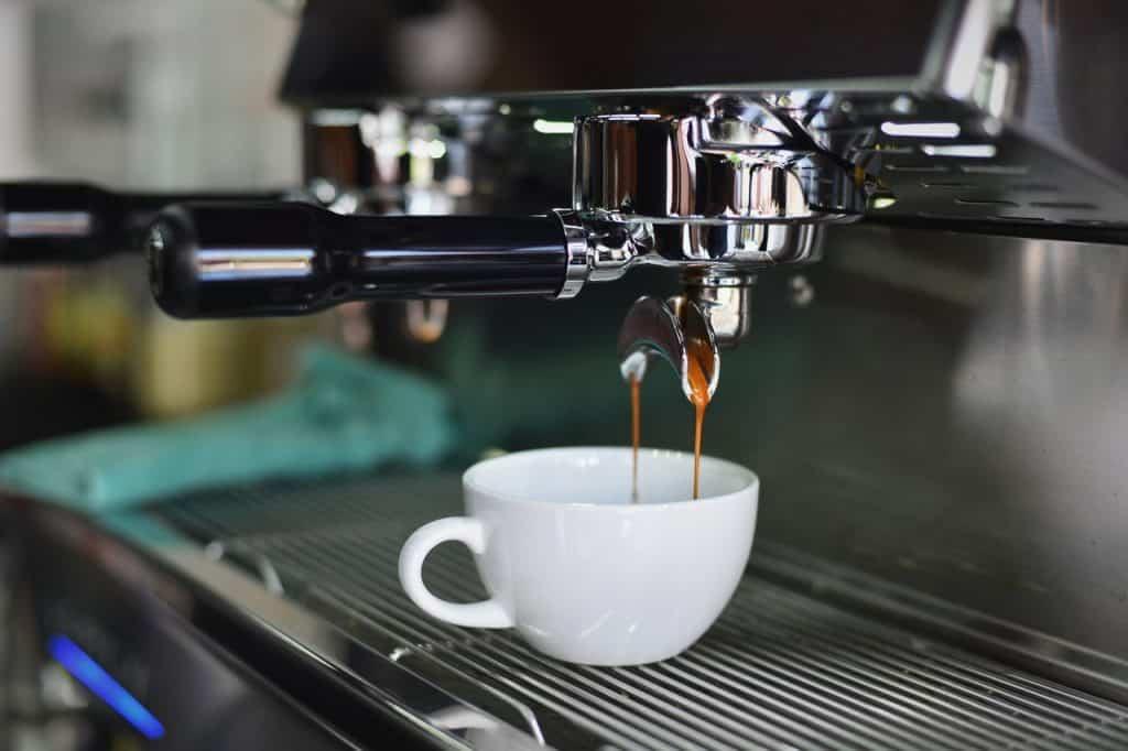 espresso machine pulling a shot
